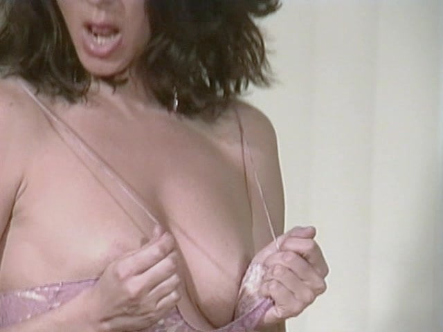 Sexy MILF Models Bikini and gets Naked for You: Porn b8 fr
