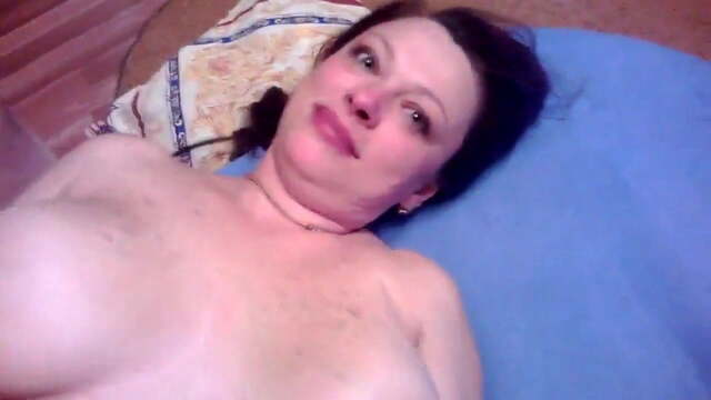 Juicy Russian Mom Begs Son Not to Take it off During Sex fr