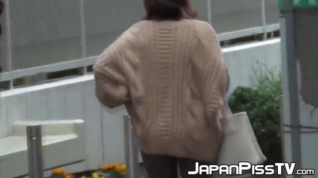 Naughty Japanese Cuties Pissing in the Streets